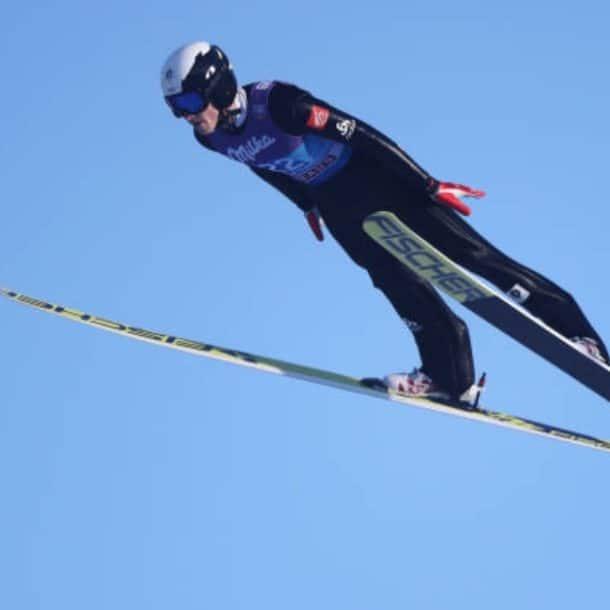 Jonathan Learoyd Ski Jumper et Web Designer pour des chalets de ski de luxe à Courchevel et Méribel