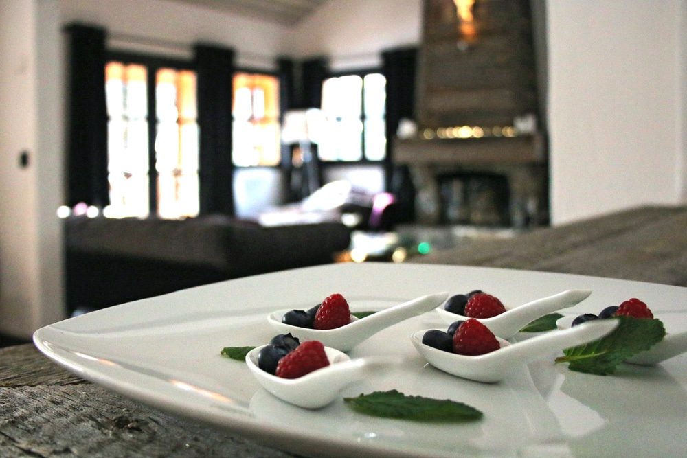 Salle à manger salon dans le chalet de ski de luxe Tomkins à Méribel