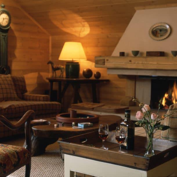 Salon dans chalet de ski de luxe Bartavelles à Méribel
